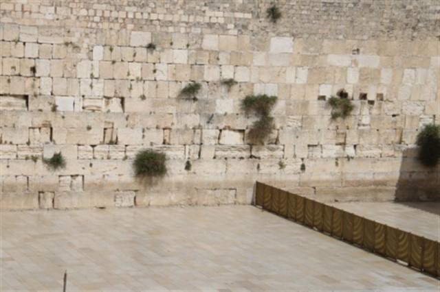 הכנות וחזרות אחרונות לטקס יום הזיכרון לחללי מערכות ישראל שיערך בכותל המערבי הערב בשעה 20:00