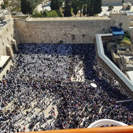 700 אלף מבקרים בכותל המערבי במהלך הפסח