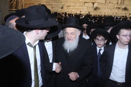 """הרב  אברהם יצחק קוק בכותל המערבי חול המועד פסח תשע""""ח"""