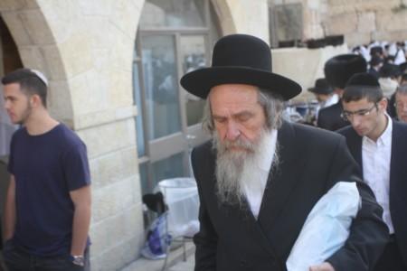 """הרב שלמה זלמן צוקרמן בכותל המערבי חול המועד פסח תשע""""ח"""