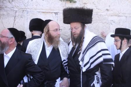 הרב שמחה רבינוביץ' בכותל המערבי חול המועד פסח תשע