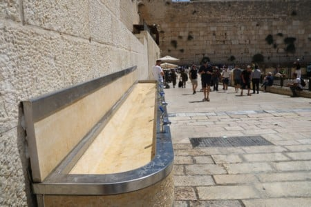 חודשו הברזיות ברחבת הכותל לטובת אלפי המבקרים הצפויים להגיע במהלך הסליחות ובחגי תשרי