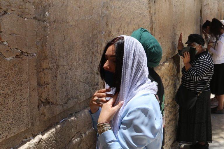 שרת התחבורה מירי רגב בביקור בחפירות החדשות ובתפילה בכותל המערבי