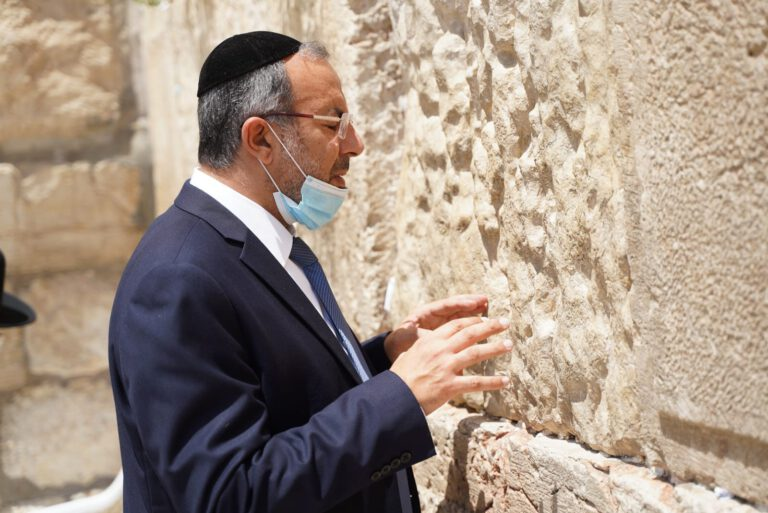 Minister of Religious Affairs, Rabbi Yaakov Avitan, praying at the Western Wall