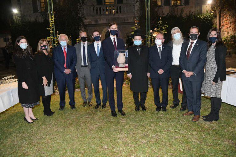 רב הכותל נועד הערב בירושלים עם השליח האמריקאי